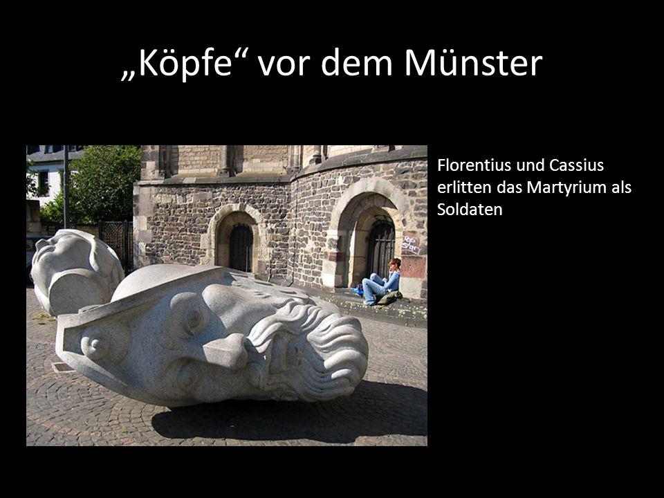 """""""Köpfe vor dem Münster"""