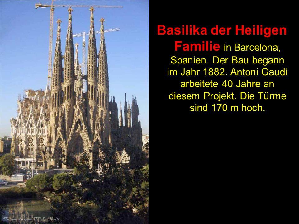 Basilika der Heiligen Familie in Barcelona, Spanien