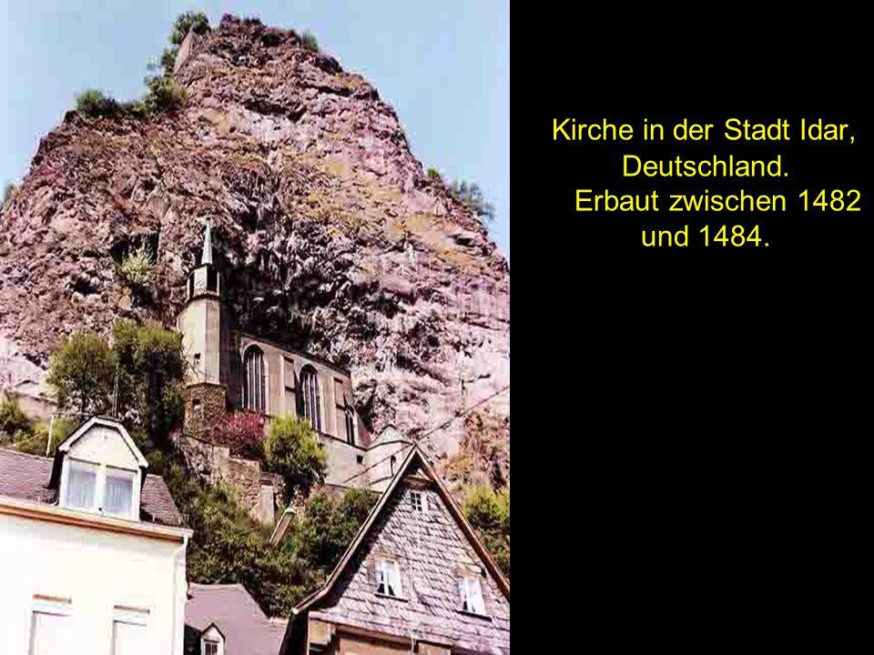 Kirche in der Stadt Idar, Deutschland. Erbaut zwischen 1482 und 1484.