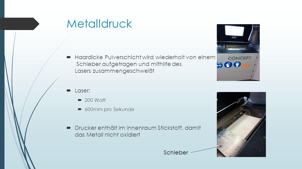 Metalldruck Haardicke Pulverschicht wird wiederholt von einem Schieber aufgetragen und mithilfe des Lasers zusammengeschweißt.
