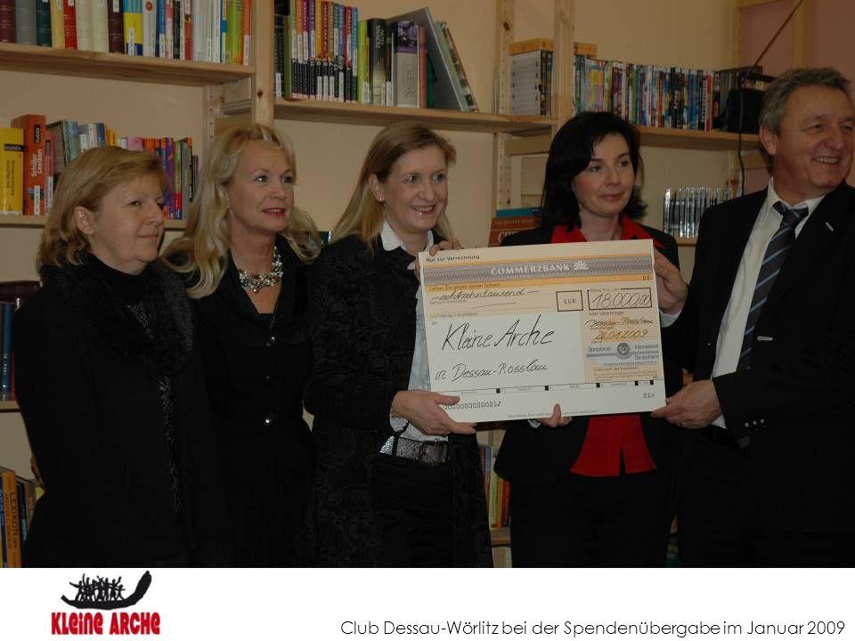 Club Dessau-Wörlitz bei der Spendenübergabe im Januar 2009
