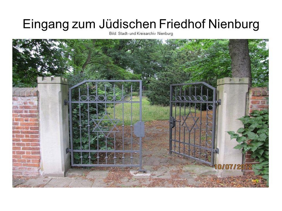 Eingang zum Jüdischen Friedhof Nienburg Bild: Stadt- und Kreisarchiv Nienburg