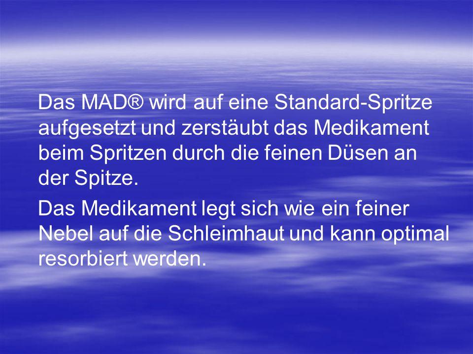 Das MAD® wird auf eine Standard-Spritze aufgesetzt und zerstäubt das Medikament beim Spritzen durch die feinen Düsen an der Spitze.