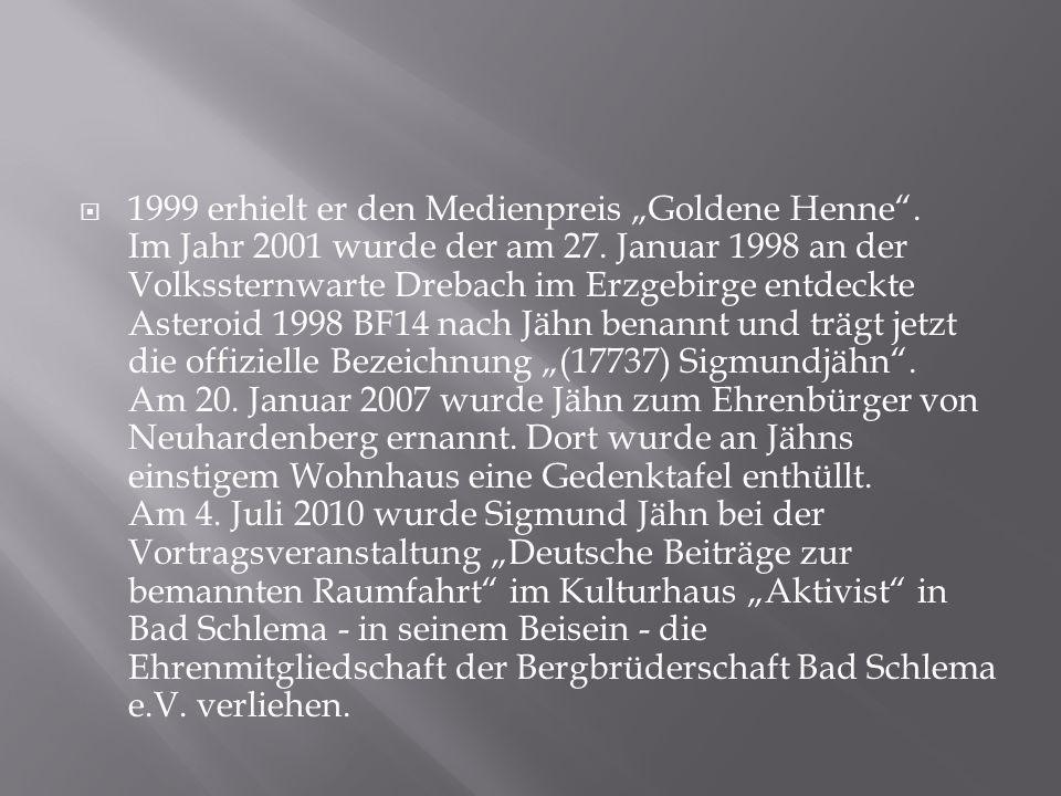 """1999 erhielt er den Medienpreis """"Goldene Henne"""