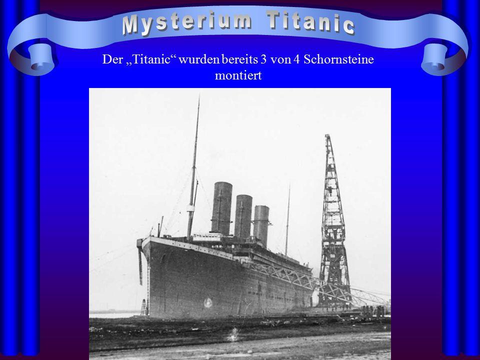 """Der """"Titanic wurden bereits 3 von 4 Schornsteine montiert"""