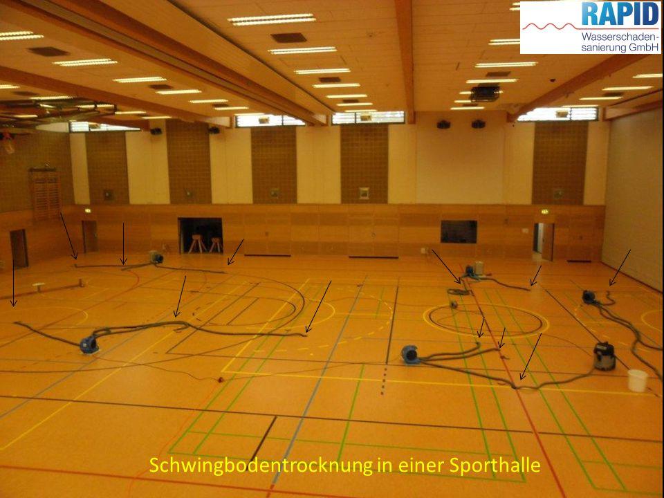 Schwingbodentrocknung in einer Sporthalle
