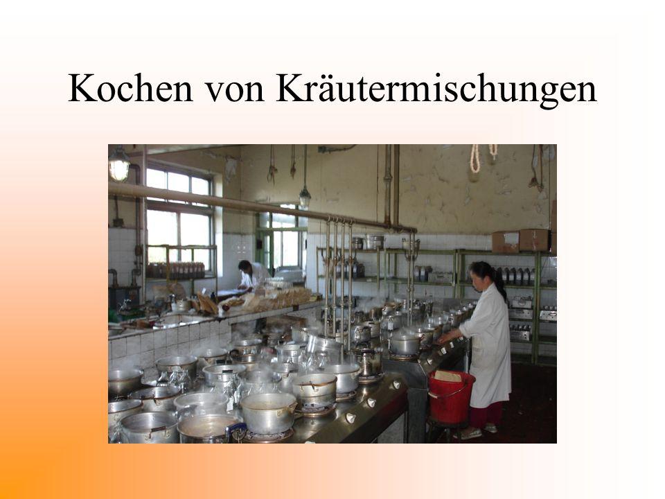 Kochen von Kräutermischungen
