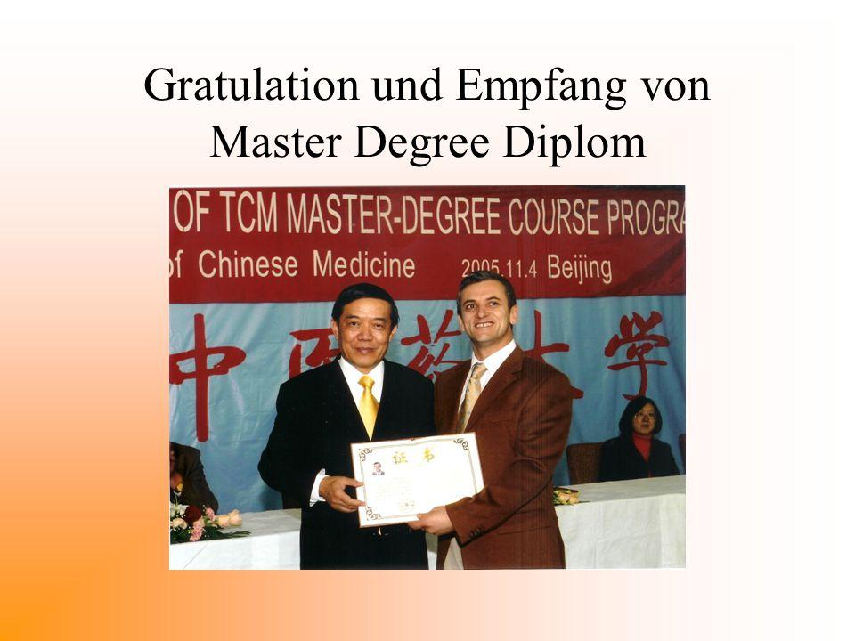 Gratulation und Empfang von Master Degree Diplom