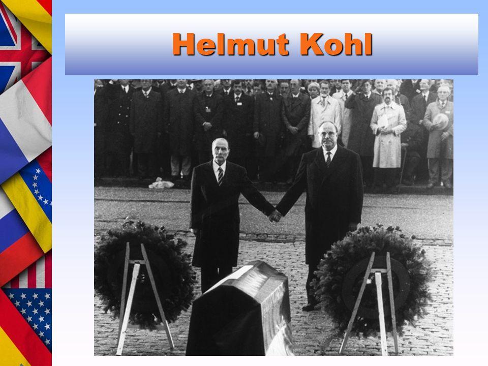 Helmut Kohl Verdun. Helmut Kohl and François Mitterand in Verdun (September 22, 1984)