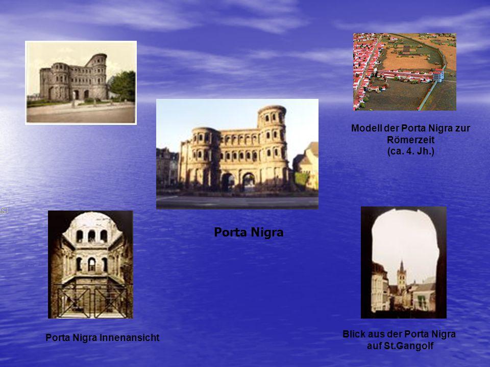 Modell der Porta Nigra zur Blick aus der Porta Nigra