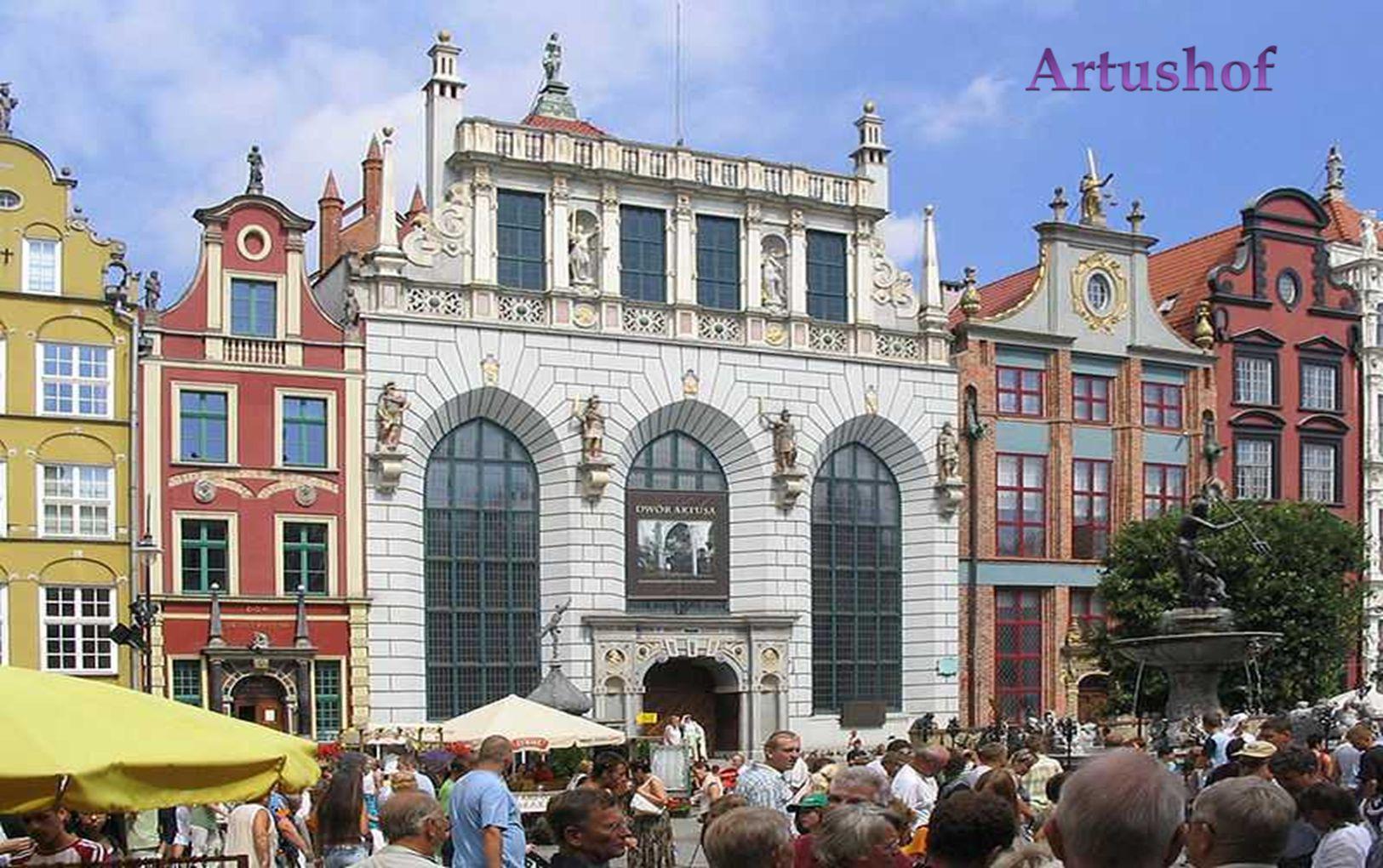 Das Gebäude diente als Treffpunkt reicher Kaufleute und Adliger, die sich in sieben örtlichen Brüderschaften zusammenschlossen.