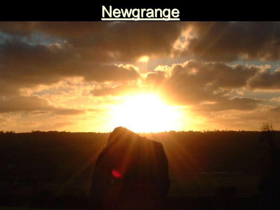 Newgrange 3150 v. Chr. Newgrange, Rep. Ireland