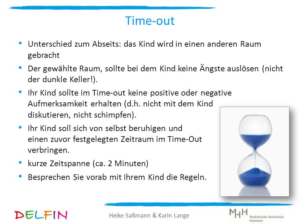 Time-out Unterschied zum Abseits: das Kind wird in einen anderen Raum gebracht.