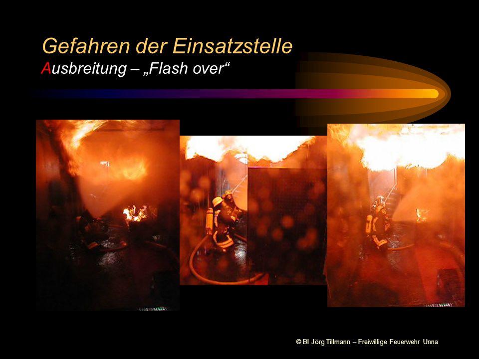 """Gefahren der Einsatzstelle Ausbreitung – """"Flash over"""