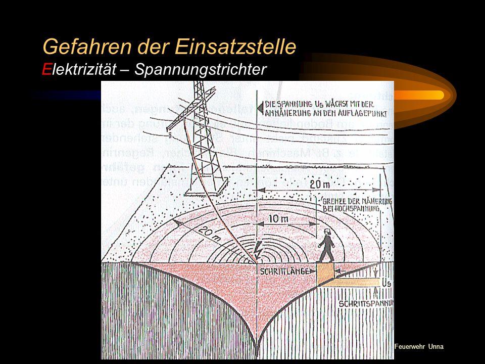 Gefahren der Einsatzstelle Elektrizität – Spannungstrichter