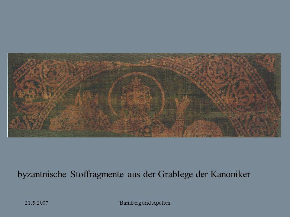 byzantnische Stoffragmente aus der Grablege der Kanoniker
