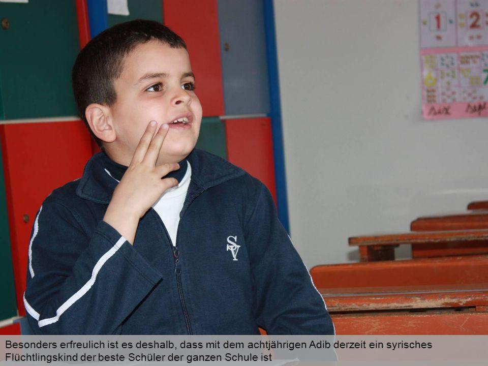 Besonders erfreulich ist es deshalb, dass mit dem achtjährigen Adib derzeit ein syrisches Flüchtlingskind der beste Schüler der ganzen Schule ist