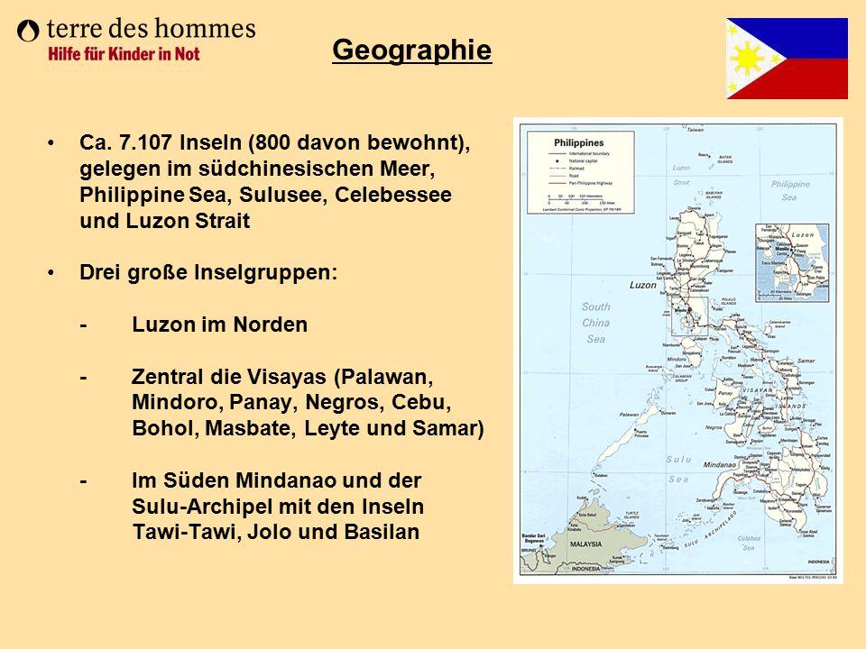 Geographie Ca. 7.107 Inseln (800 davon bewohnt),