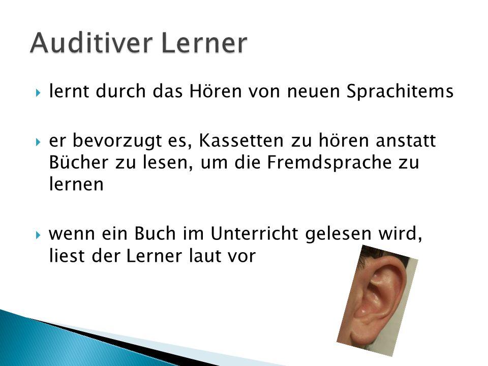 Auditiver Lerner lernt durch das Hören von neuen Sprachitems