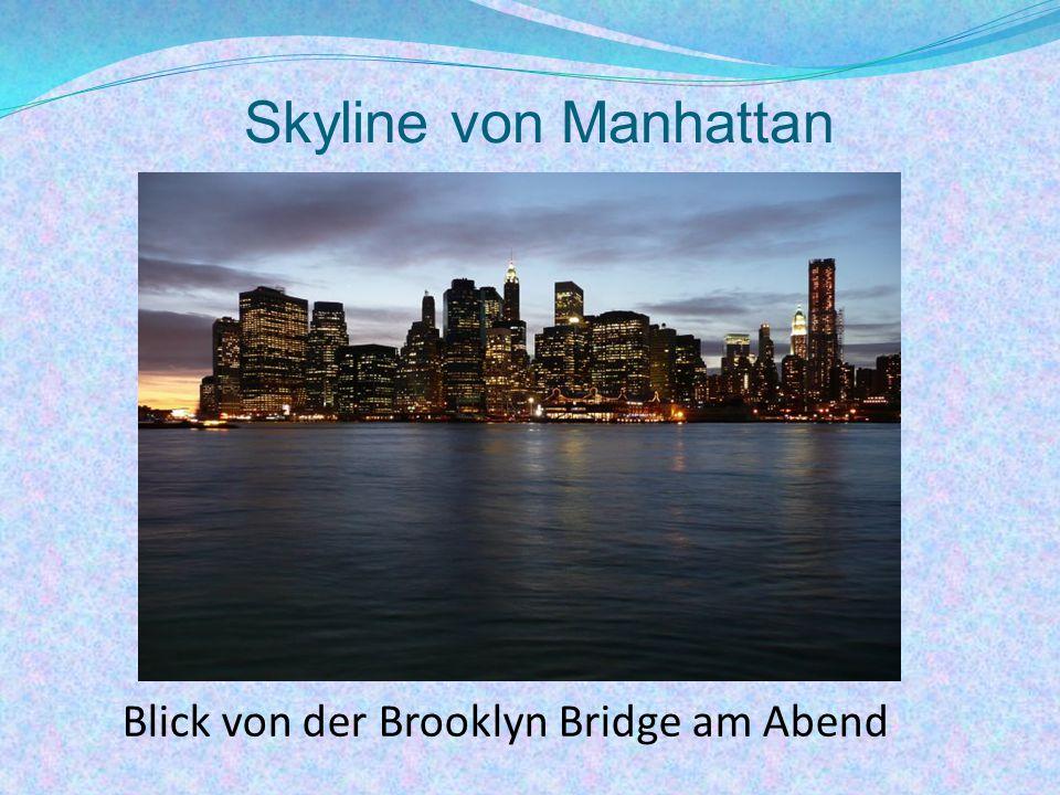 Blick von der Brooklyn Bridge am Abend