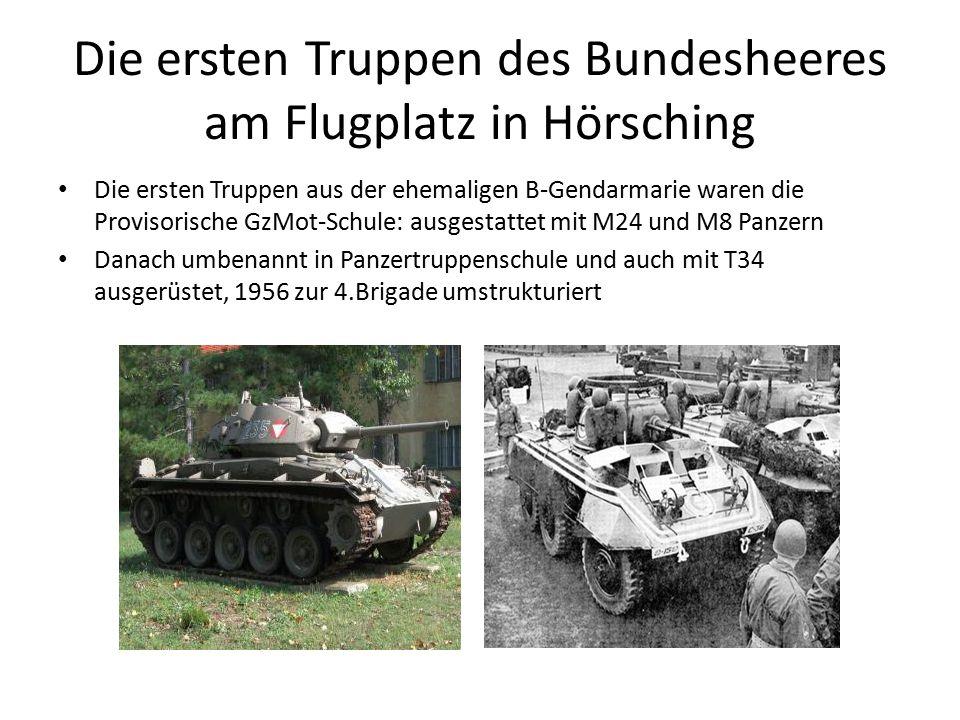 Die ersten Truppen des Bundesheeres am Flugplatz in Hörsching