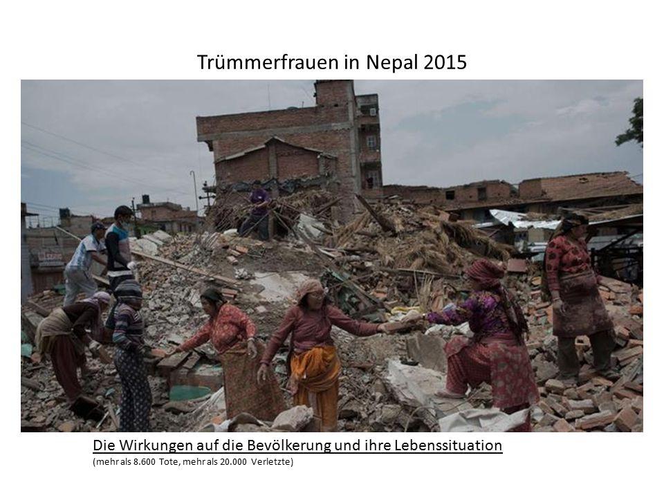 Trümmerfrauen in Nepal 2015