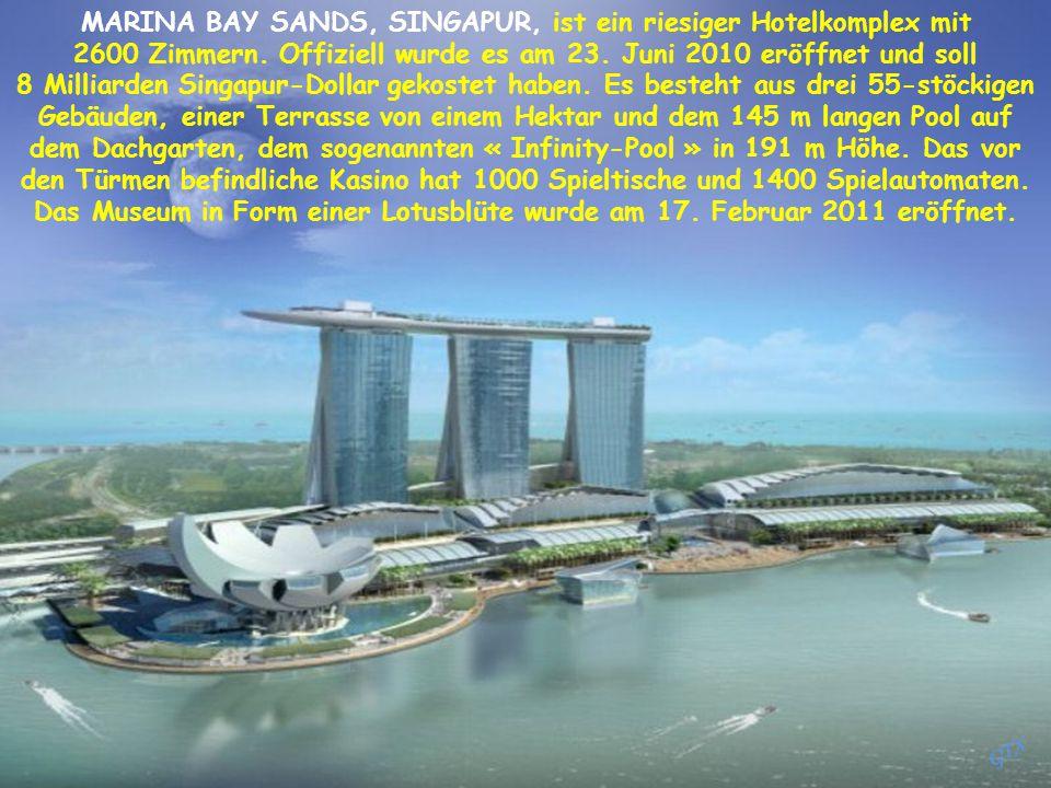 MARINA BAY SANDS, SINGAPUR, ist ein riesiger Hotelkomplex mit