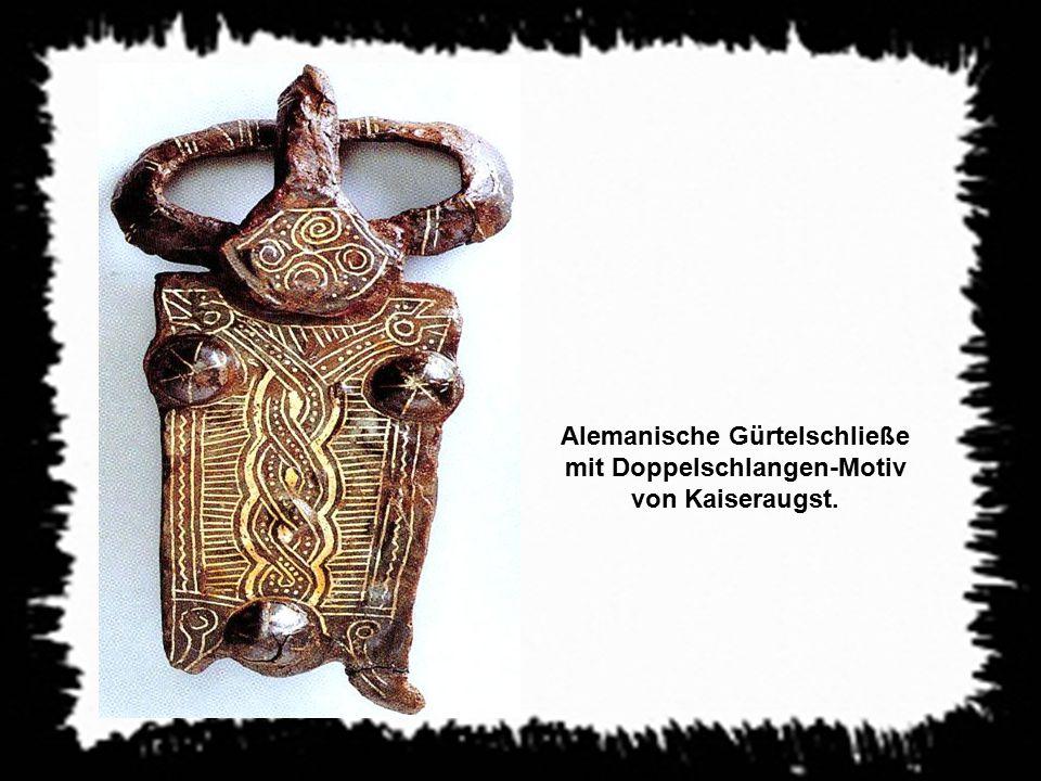 Alemanische Gürtelschließe mit Doppelschlangen-Motiv von Kaiseraugst.