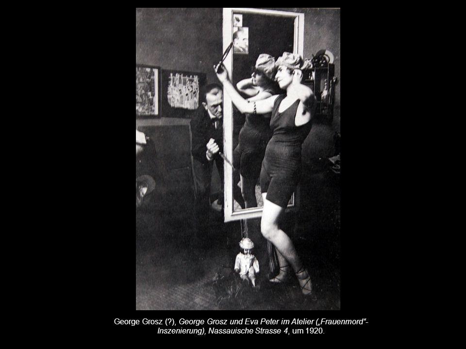 """George Grosz ( ), George Grosz und Eva Peter im Atelier (""""Frauenmord -Inszenierung), Nassauische Strasse 4, um 1920."""