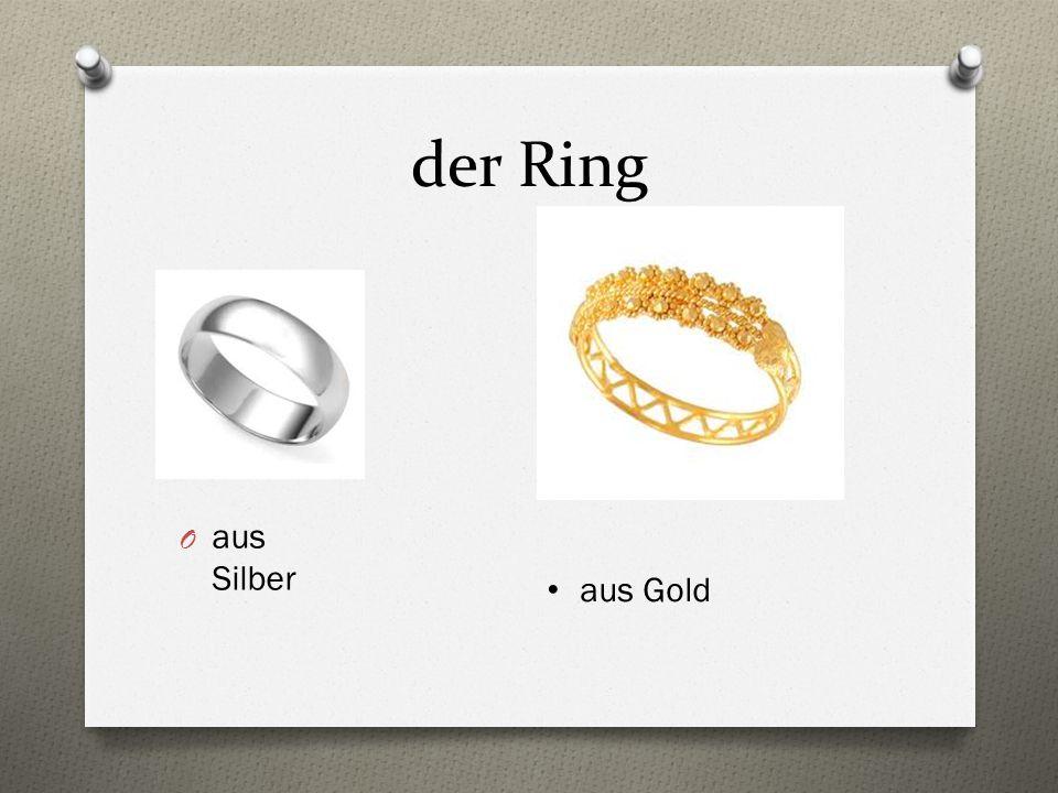 der Ring aus Silber aus Gold