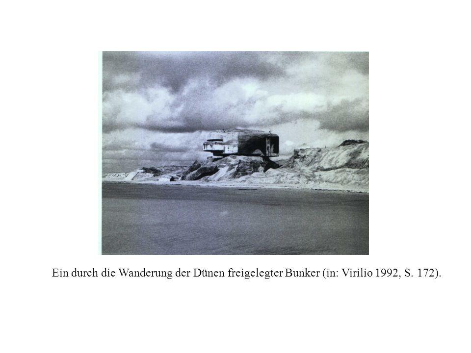 Ein durch die Wanderung der Dünen freigelegter Bunker (in: Virilio 1992, S. 172).