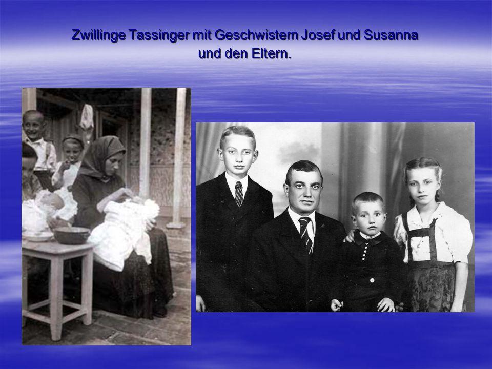 Zwillinge Tassinger mit Geschwistern Josef und Susanna und den Eltern.