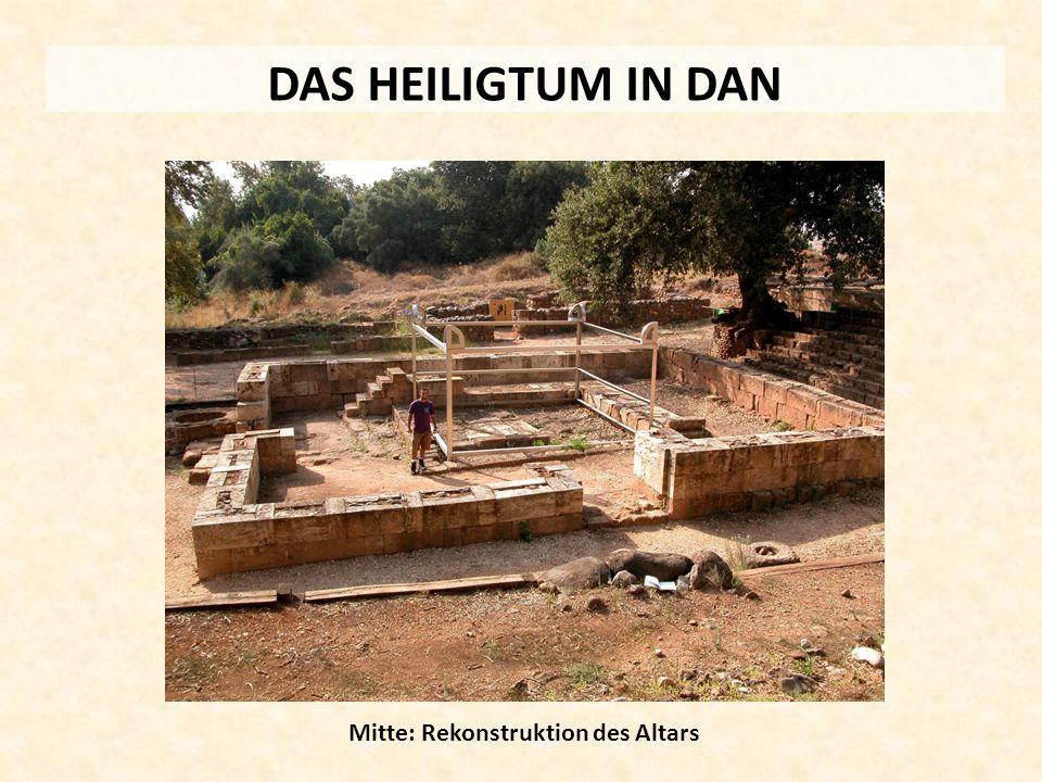 Mitte: Rekonstruktion des Altars