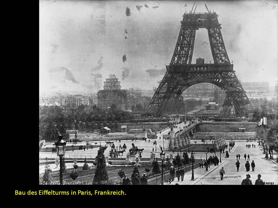 Bau des Eiffelturms in Paris, Frankreich.