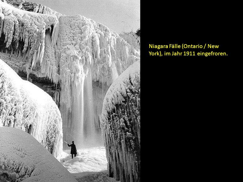 Niagara Fälle (Ontario / New York), im Jahr 1911 eingefroren.