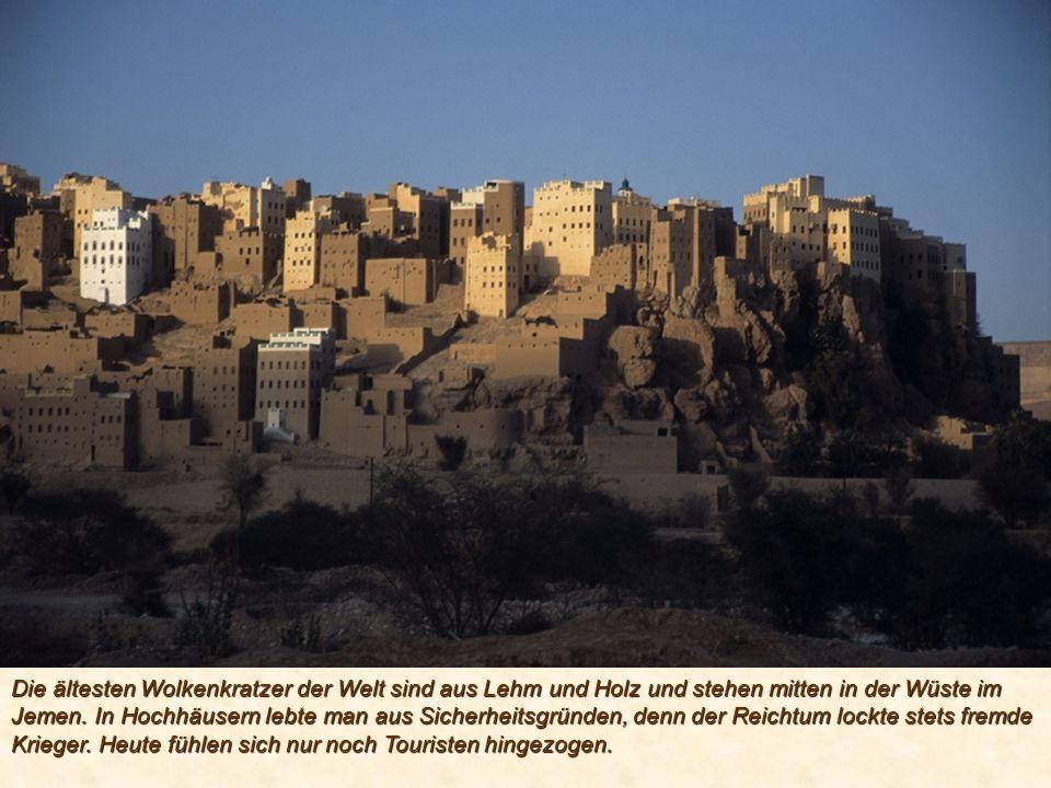 Die ältesten Wolkenkratzer der Welt sind aus Lehm und Holz und stehen mitten in der Wüste im Jemen.