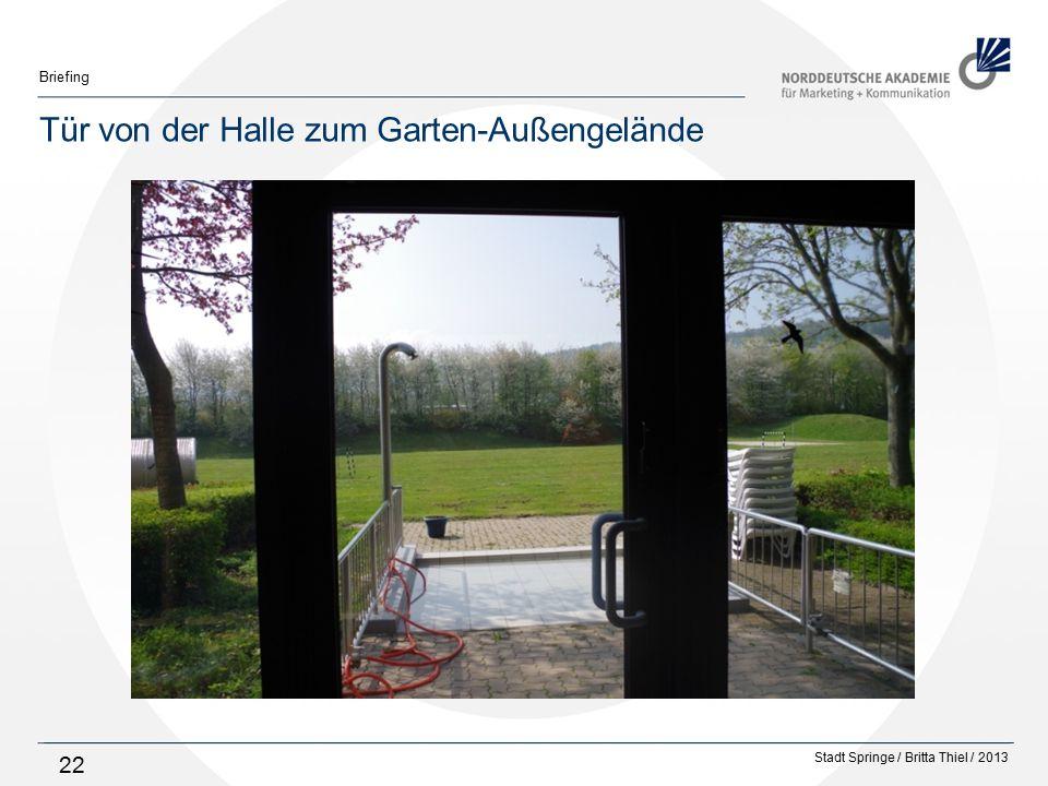 Tür von der Halle zum Garten-Außengelände