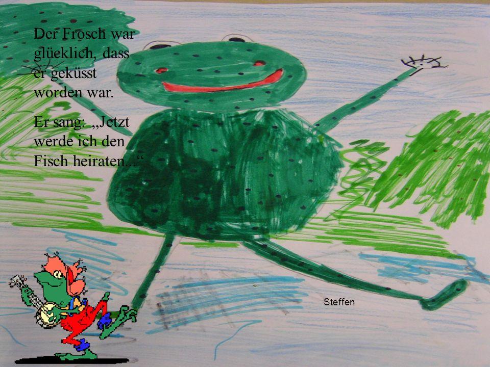 Der Frosch war glücklich, dass er geküsst worden war.