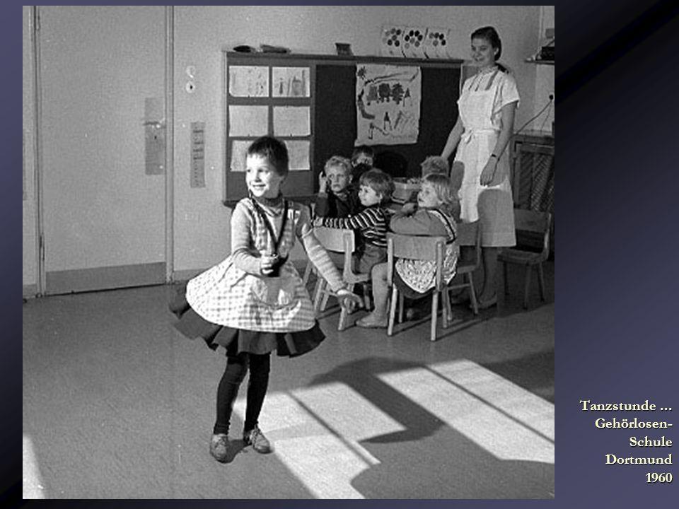 Tanzstunde ... Gehörlosen- Schule Dortmund 1960