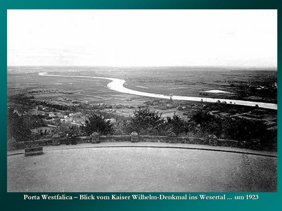 Porta Westfalica – Blick vom Kaiser Wilhelm-Denkmal ins Wesertal