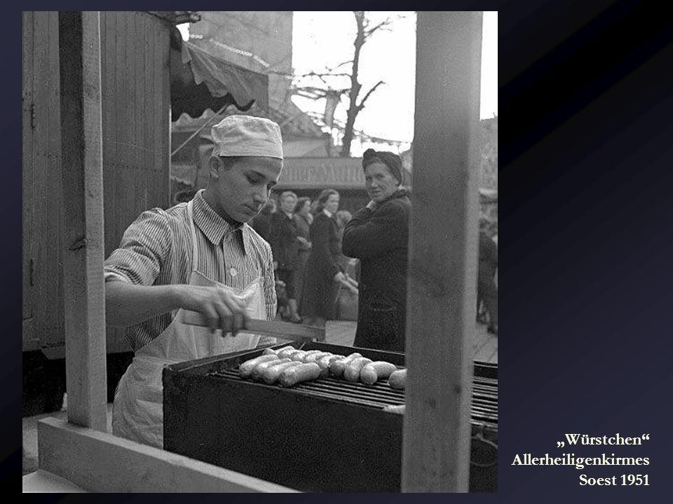 """Würstchen Allerheiligenkirmes Soest 1951"