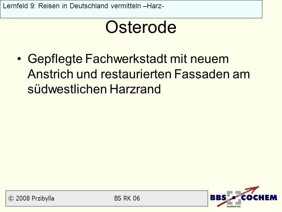 Osterode Gepflegte Fachwerkstadt mit neuem Anstrich und restaurierten Fassaden am südwestlichen Harzrand.
