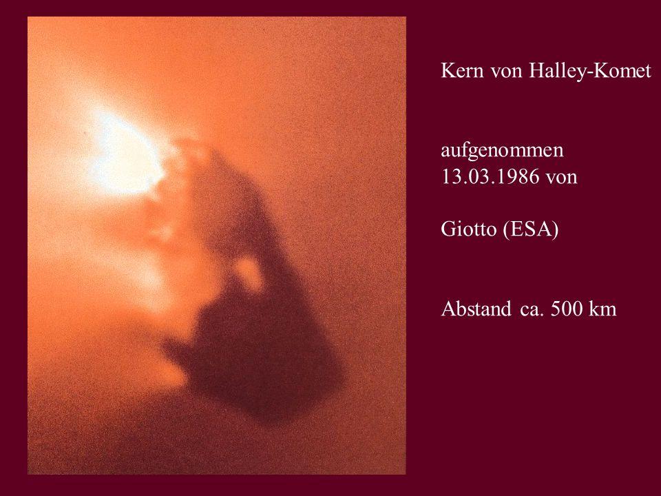 Kern von Halley-Komet aufgenommen 13.03.1986 von Giotto (ESA) Abstand ca. 500 km