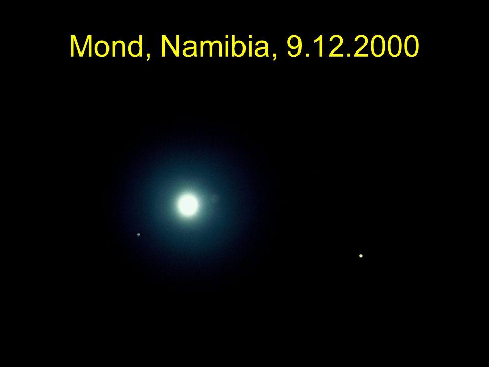 Mond, Namibia, 9.12.2000 Mond, Jupiter, Saturn. Namibia, 9.12.2000