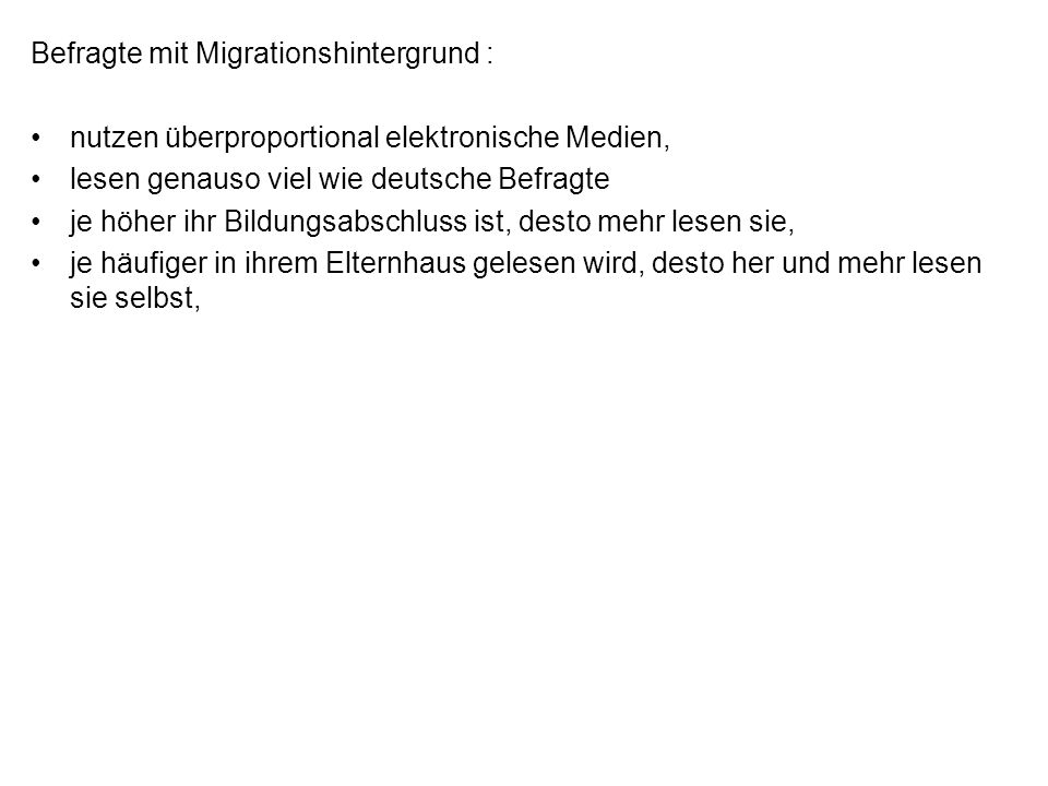 Befragte mit Migrationshintergrund :