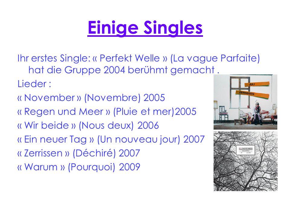 Montois Alis Einige Singles. Ihr erstes Single: « Perfekt Welle » (La vague Parfaite) hat die Gruppe 2004 berühmt gemacht .