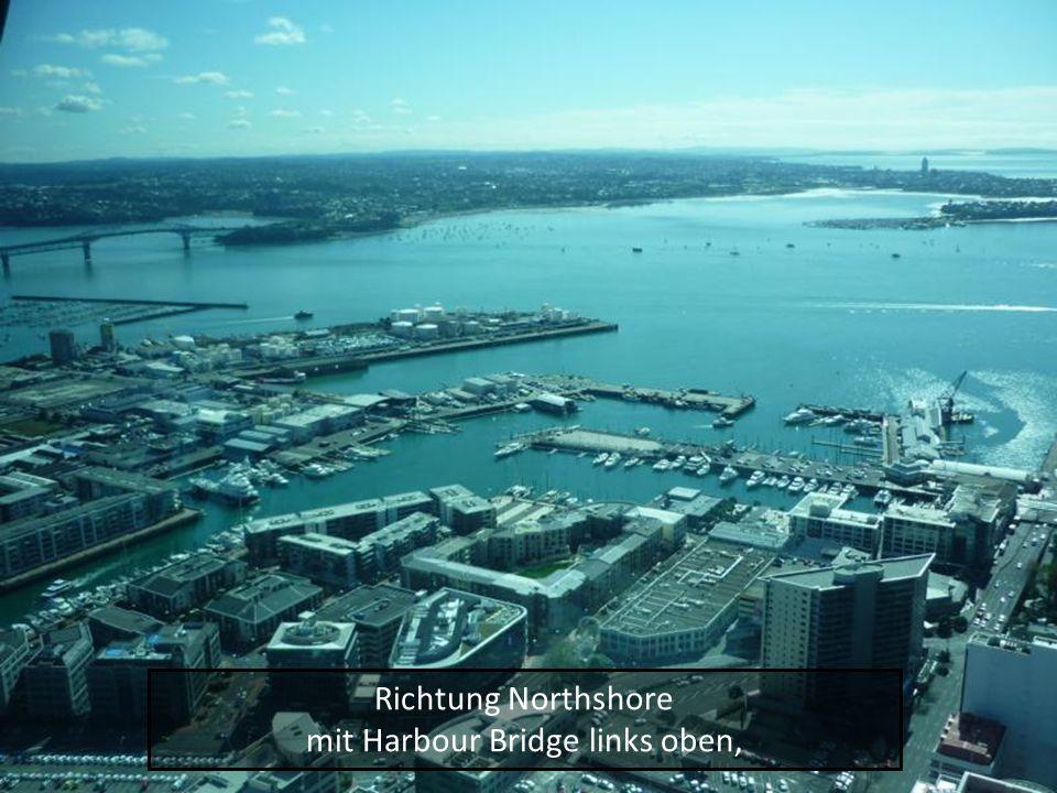 Richtung Northshore mit Harbour Bridge links oben,