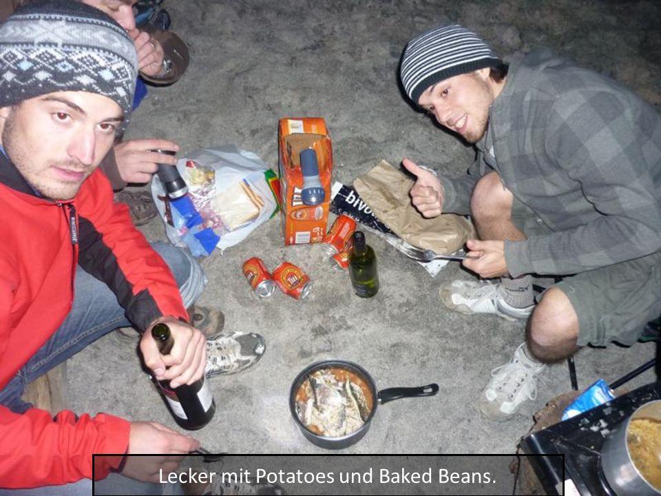 Lecker mit Potatoes und Baked Beans.