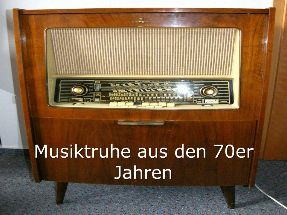Musiktruhe aus den 70er Jahren