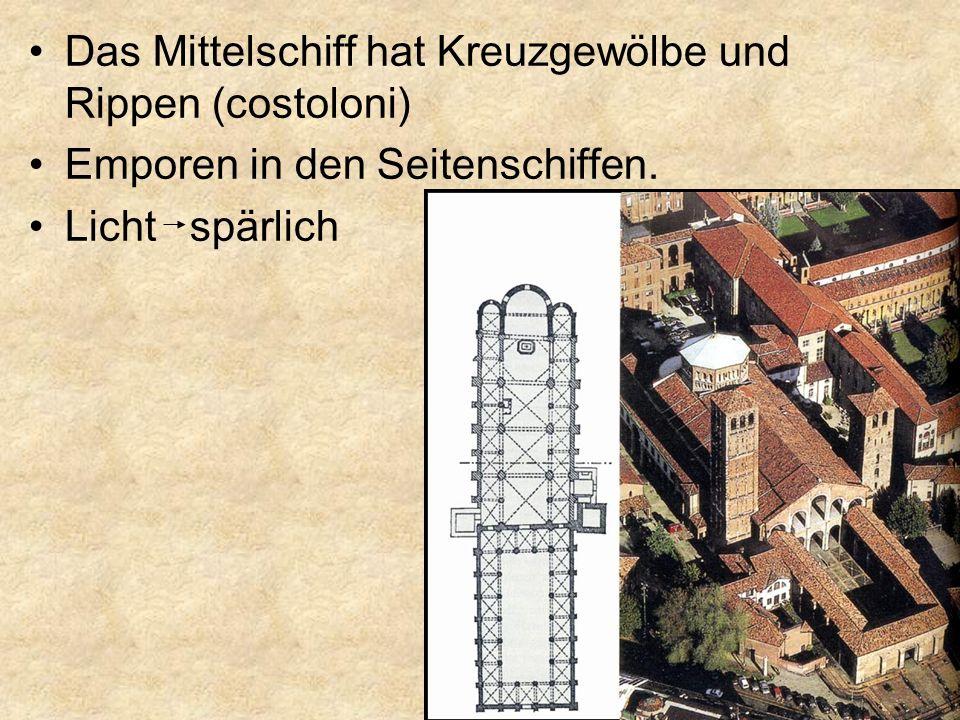 Das Mittelschiff hat Kreuzgewölbe und Rippen (costoloni)